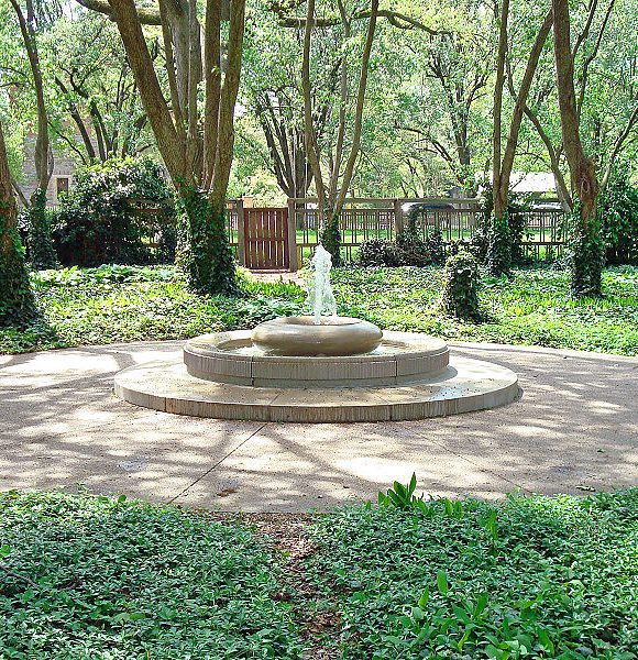 Carols Garden